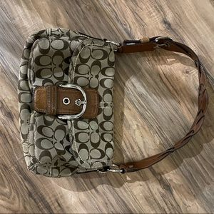 Coach Classic Signature Soho  purse